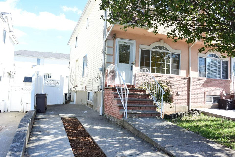 Single Family - Semi-Attached in Rossville - 109 Harris Lane  Staten Island, NY 10309