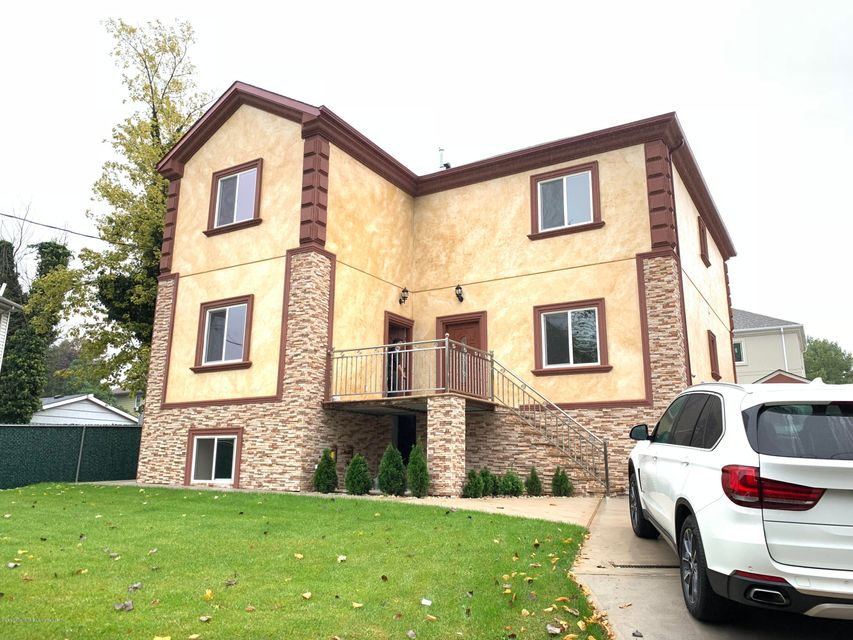 Two Family - Detached in Great Kills - 464 Arthur Kill Road  Staten Island, NY 10308