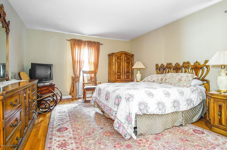 Single Family - Detached 73 Dreyer Avenue  Staten Island, NY 10314, MLS-1123343-12