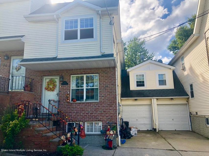 Single Family - Attached in Huguenot - 334 Huguenot Avenue  Staten Island, NY 10312
