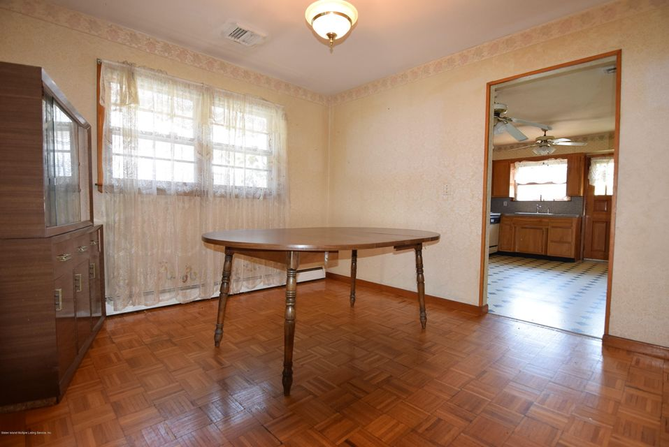 Single Family - Detached 122 Sterling Avenue  Staten Island, NY 10306, MLS-1123402-4