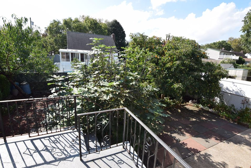 Single Family - Detached 122 Sterling Avenue  Staten Island, NY 10306, MLS-1123402-15
