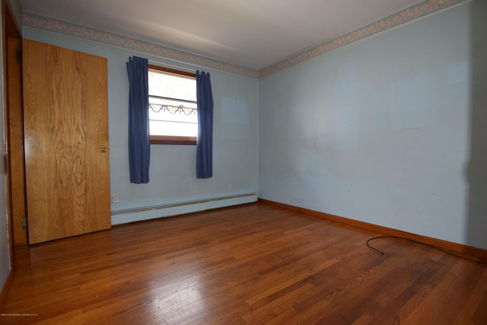 Single Family - Detached 122 Sterling Avenue  Staten Island, NY 10306, MLS-1123402-9