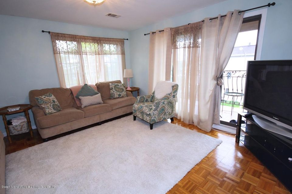 Two Family - Detached 132 Mayberry Promenade   Staten Island, NY 10312, MLS-1123523-26