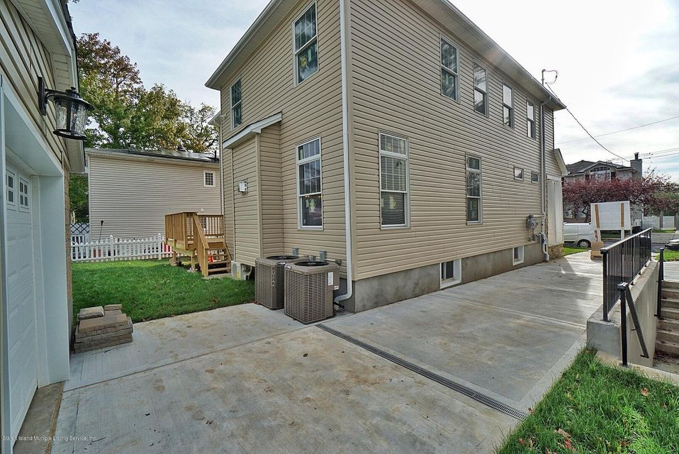 Two Family - Detached 169 Bathgate St   Staten Island, NY 10312, MLS-1122726-33