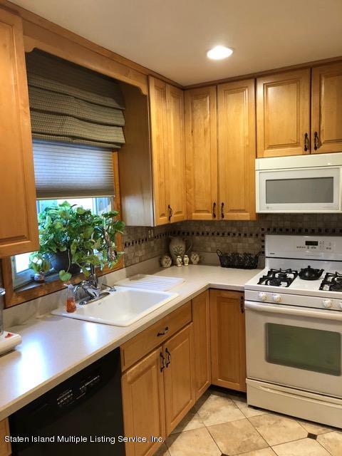 Single Family - Detached 240 Ridgewood Avenue  Staten Island, NY 10312, MLS-1123563-4