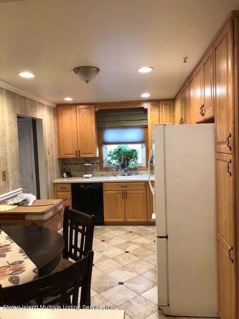 Single Family - Detached 240 Ridgewood Avenue  Staten Island, NY 10312, MLS-1123563-3