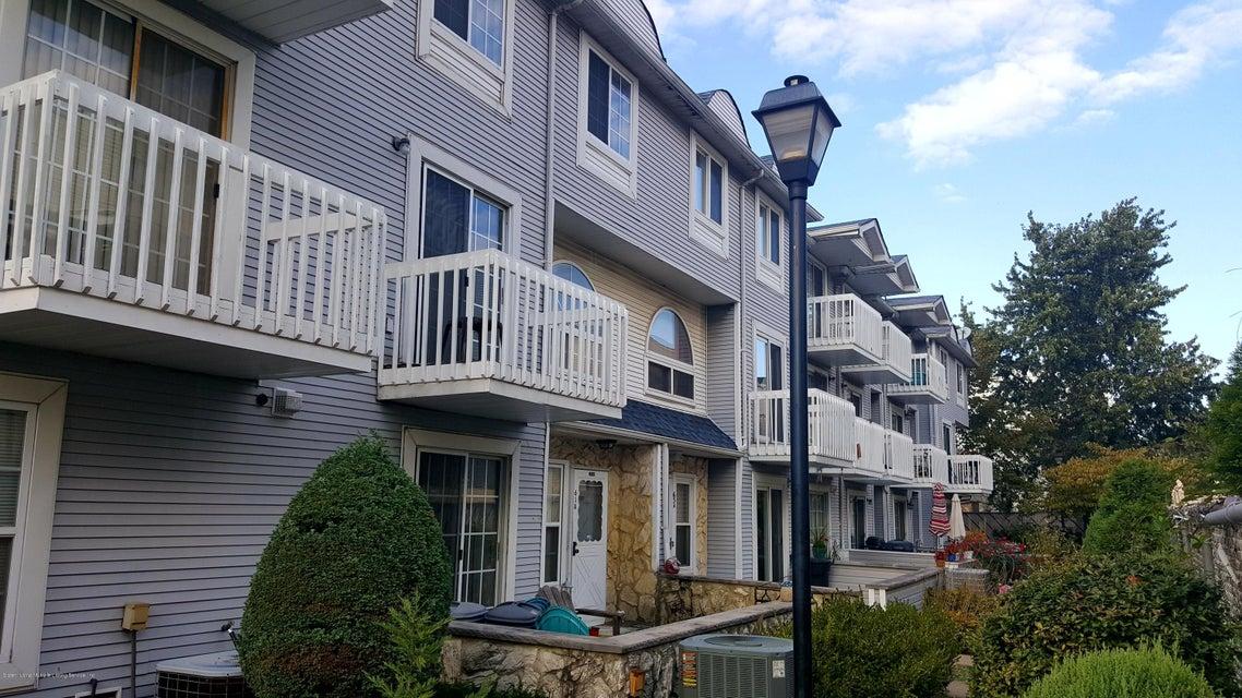 Condo in Heartland Village - 61 Country Dr E  A  Staten Island, NY 10314