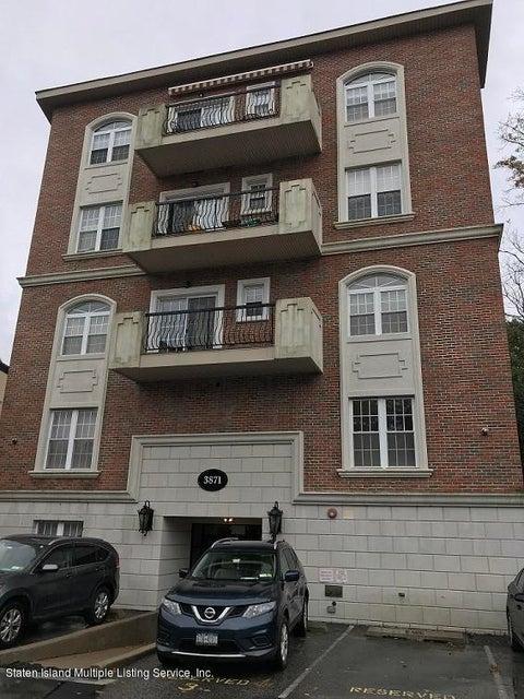 Condo in Great Kills - 3871 Amboy Road 102  Staten Island, NY 10308