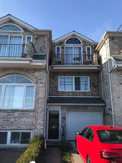 Single Family - Attached in South Beach - 413 Fr Capodanno Boulevard  Staten Island, NY 10305