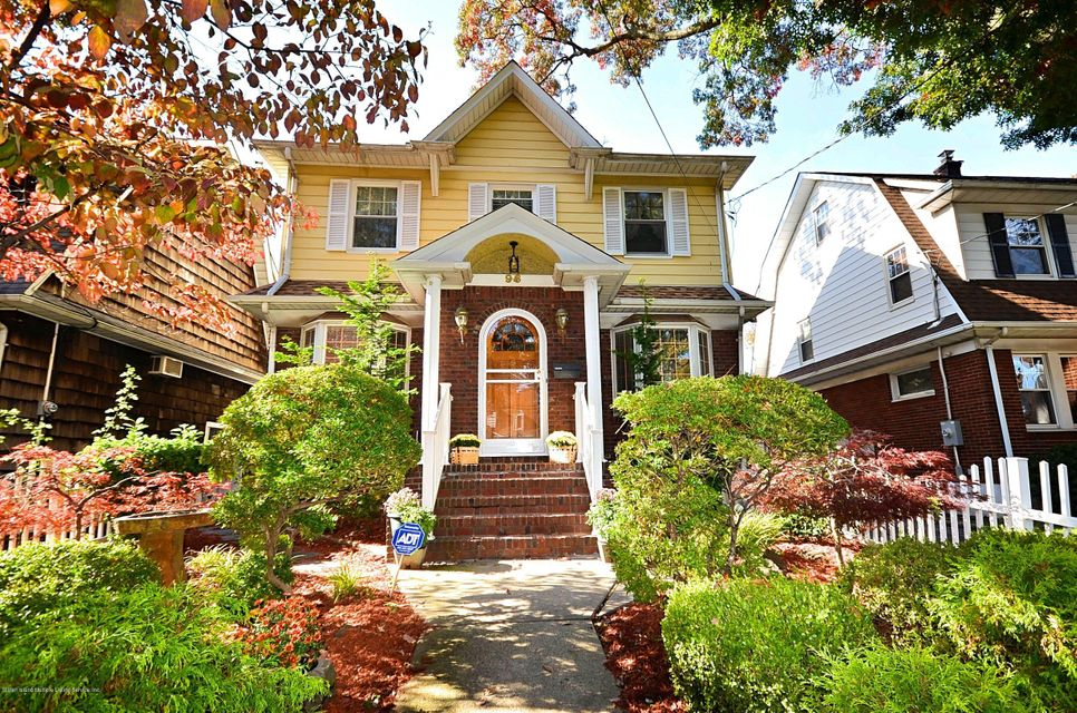 Single Family - Detached in Westerleigh - 96 Crystal Avenue  Staten Island, NY 10302