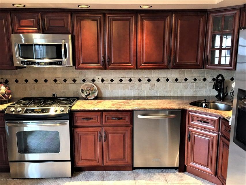 Single Family - Semi-Attached 268 Monahan Avenue  Staten Island, NY 10314, MLS-1124113-2