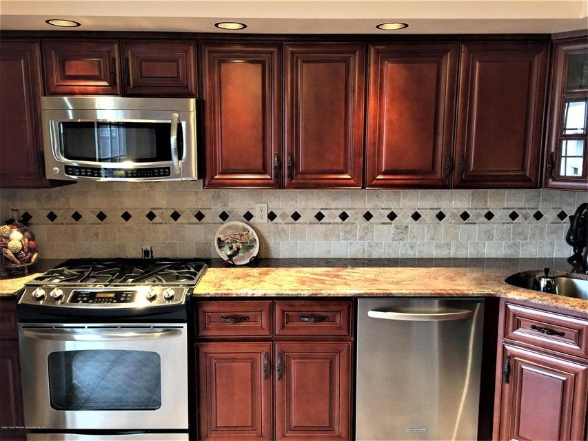 Single Family - Semi-Attached 268 Monahan Avenue  Staten Island, NY 10314, MLS-1124113-24