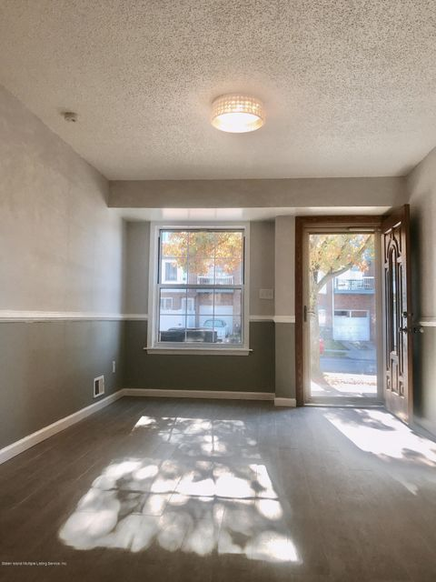 Single Family - Attached 189 Monahan Avenue  Staten Island, NY 10314, MLS-1124124-4