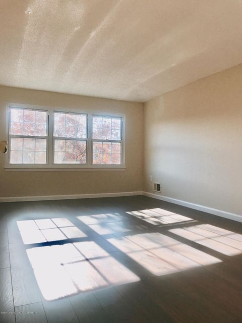Single Family - Attached 189 Monahan Avenue  Staten Island, NY 10314, MLS-1124124-15