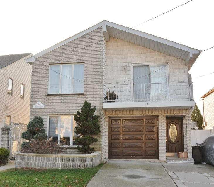 Two Family - Detached in Tottenville - 7320 Hylan Boulevard  Staten Island, NY 10307
