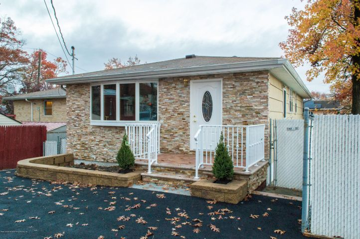 Leader properties staten island real estate i staten for 100 richmond terrace staten island ny 10301