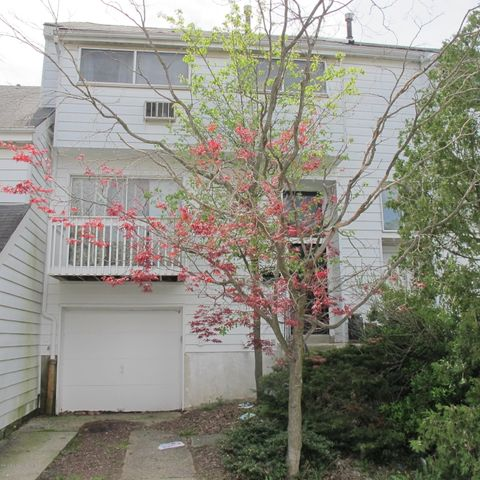 Homes For Sale In Village Greens Staten Island