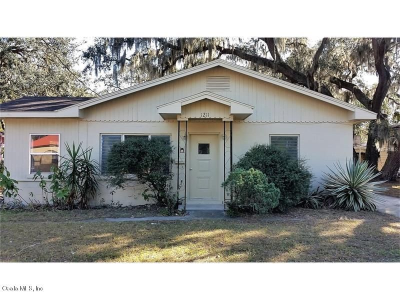 1211 West Dixie Avenue, Leesburg, FL 34748