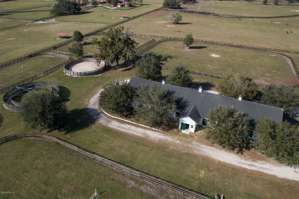 9180 NW 160th AVE, Morriston, FL 32668