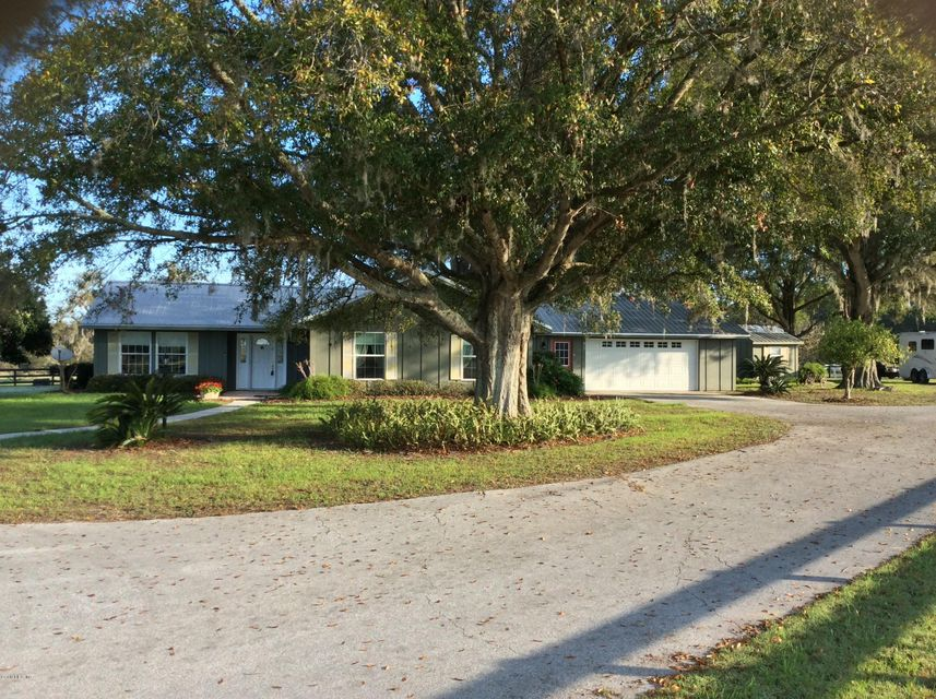 15353 NW 112 Pl Road, Morriston, FL 32668