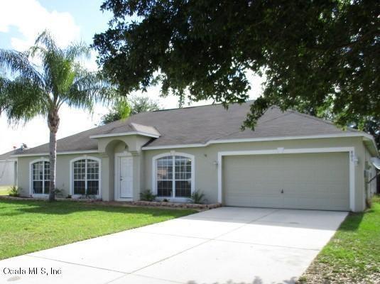 801 Clear Brook Court, Fruitland Park, FL 34731