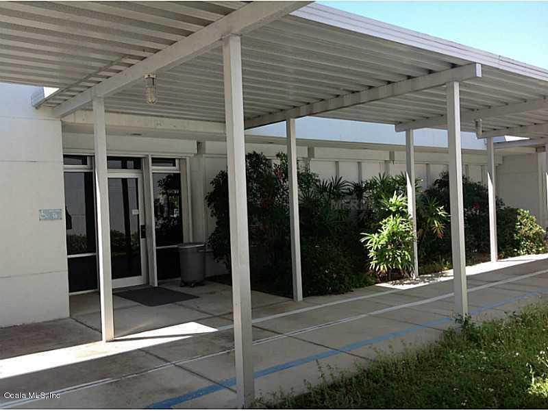 104 N Warfield Avenue, Wildwood, FL 34785