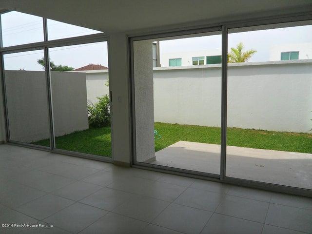 PANAMA VIP10, S.A. Casa en Venta en Costa Sur en Panama Código: 14-715 No.1
