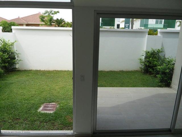 PANAMA VIP10, S.A. Casa en Venta en Costa Sur en Panama Código: 14-714 No.2