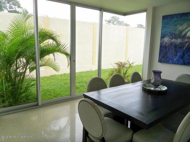 PANAMA VIP10, S.A. Casa en Venta en Costa Sur en Panama Código: 14-716 No.9