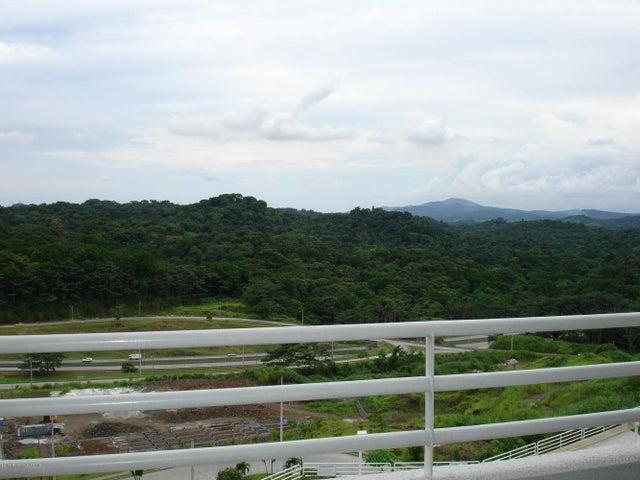 PANAMA VIP10, S.A. Apartamento en Venta en Altos de Panama en Panama Código: 14-482 No.5