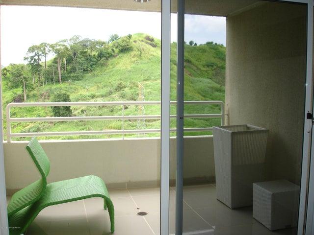 PANAMA VIP10, S.A. Apartamento en Venta en Altos de Panama en Panama Código: 14-484 No.5