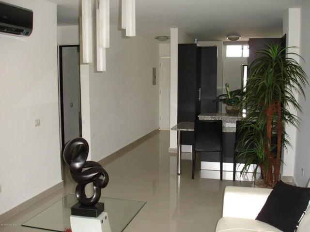 PANAMA VIP10, S.A. Apartamento en Venta en Altos de Panama en Panama Código: 14-484 No.2