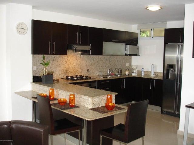 PANAMA VIP10, S.A. Apartamento en Venta en Altos de Panama en Panama Código: 14-485 No.3