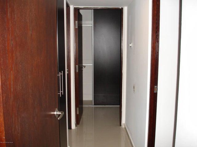 PANAMA VIP10, S.A. Apartamento en Venta en Altos de Panama en Panama Código: 14-485 No.4