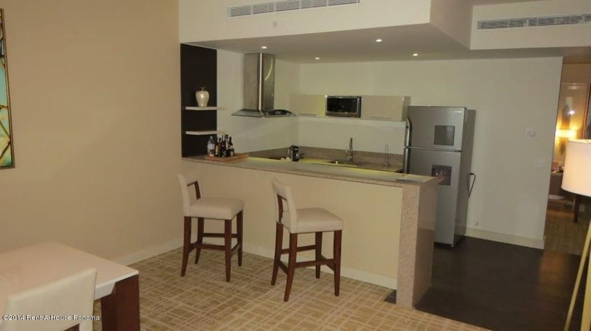 PANAMA VIP10, S.A. Apartamento en Alquiler en Avenida Balboa en Panama Código: 14-1230 No.2