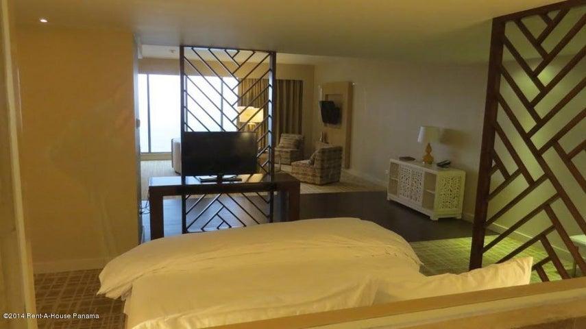 PANAMA VIP10, S.A. Apartamento en Alquiler en Avenida Balboa en Panama Código: 14-1230 No.9
