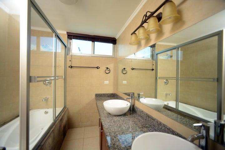 PANAMA VIP10, S.A. Apartamento en Venta en Costa del Este en Panama Código: 15-861 No.8