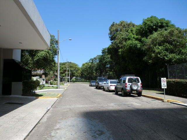 PANAMA VIP10, S.A. Apartamento en Venta en Bellavista en Panama Código: 15-1475 No.2
