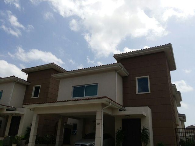 PANAMA VIP10, S.A. Casa en Venta en Altos de Panama en Panama Código: 15-1871 No.1