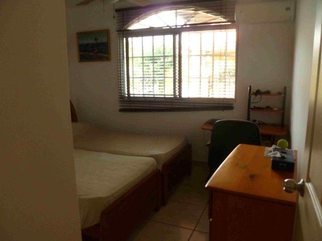 PANAMA VIP10, S.A. Casa en Venta en Brisas Del Golf en Panama Código: 15-2727 No.8