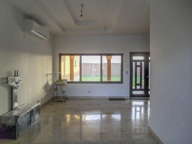 PANAMA VIP10, S.A. Casa en Venta en Costa Sur en Panama Código: 16-65 No.8