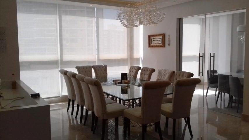 PANAMA VIP10, S.A. Apartamento en Alquiler en Paitilla en Panama Código: 16-82 No.5