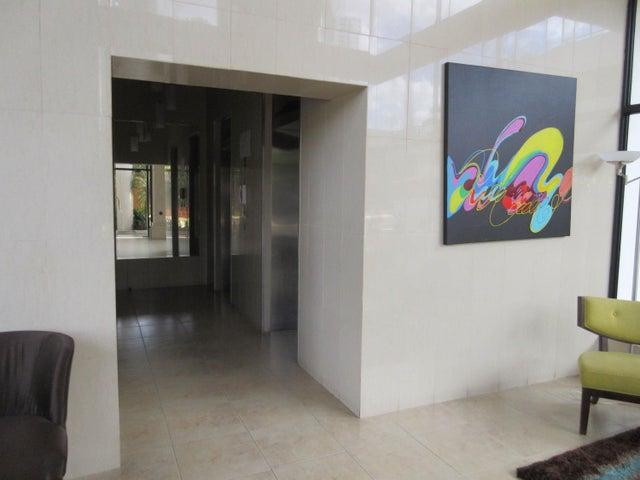 PANAMA VIP10, S.A. Apartamento en Venta en San Francisco en Panama Código: 16-122 No.5