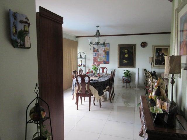 PANAMA VIP10, S.A. Apartamento en Venta en San Francisco en Panama Código: 16-122 No.7