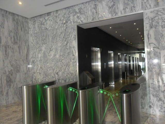PANAMA VIP10, S.A. Oficina en Venta en Obarrio en Panama Código: 16-181 No.2