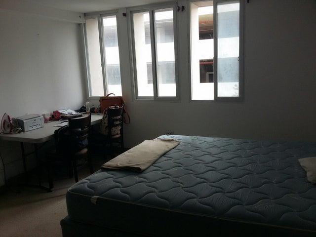 PANAMA VIP10, S.A. Apartamento en Venta en El Carmen en Panama Código: 16-670 No.4