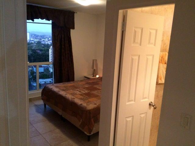 PANAMA VIP10, S.A. Apartamento en Venta en San Francisco en Panama Código: 16-831 No.7