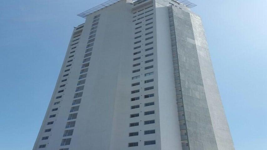 Apartamento / Venta / San Carlos / San Carlos / FLEXMLS-16-1017