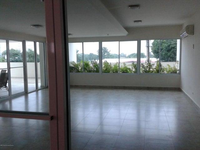 PANAMA VIP10, S.A. Apartamento en Venta en Parque Lefevre en Panama Código: 16-2004 No.8
